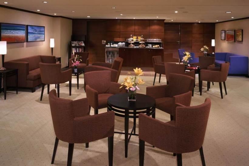 QM2-Concierge-Lounge.jpg